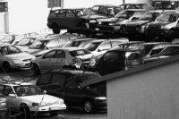 samochody na złomowisku